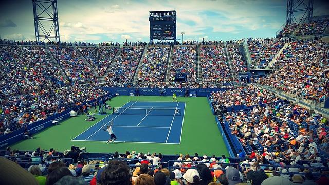 se ve un partido de tenis